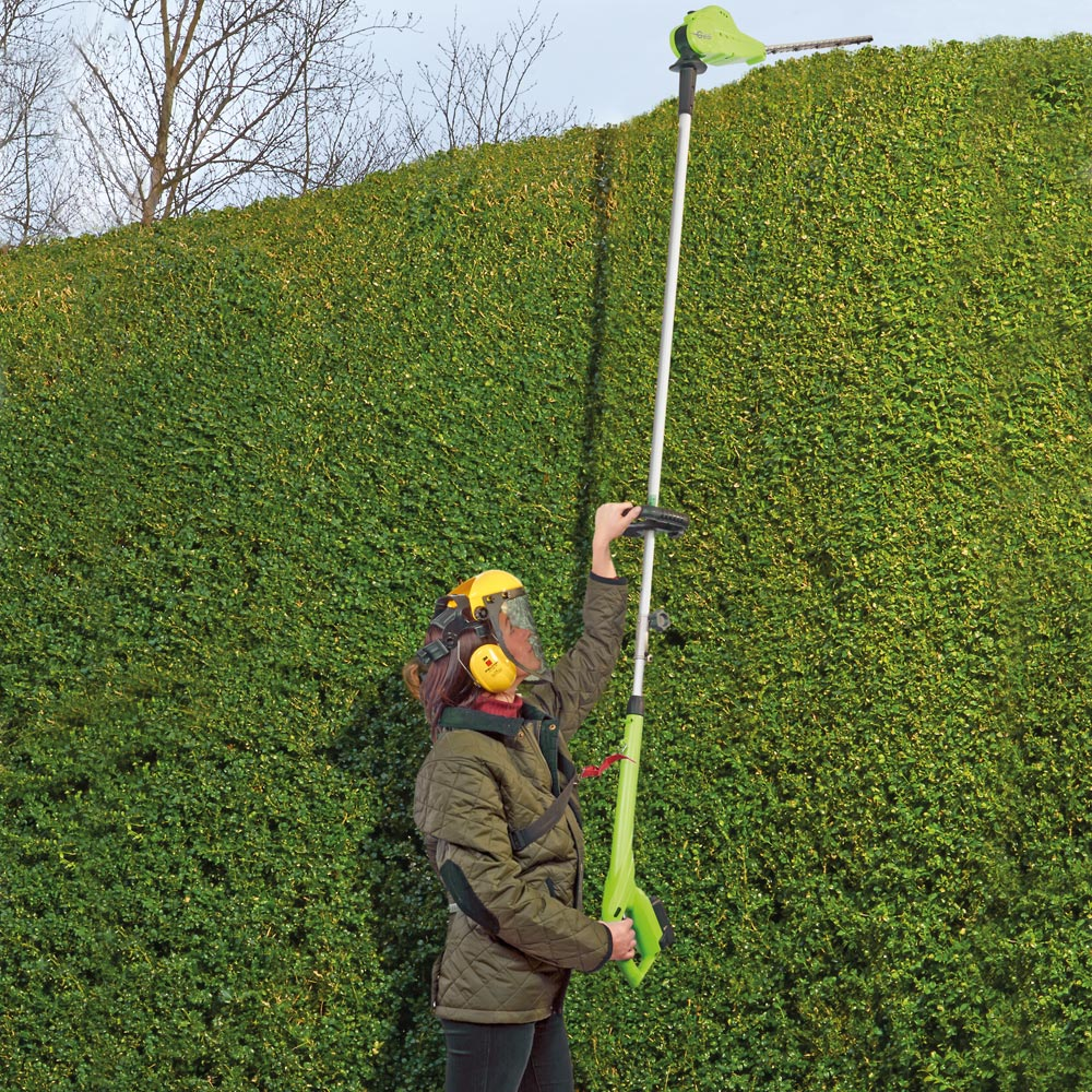 Image of 18V Telescopic Cordless Hedge Trimmer