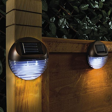 Round Solar Fence Lights Set Of 4 Van Meuwen